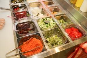 Výber zeleniny do šalátu